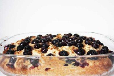 Borovničeva pita s skuto in džemom