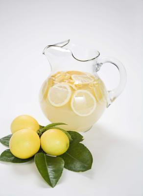 Limona in limonin sok